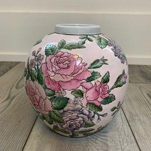 Round porcelain vase